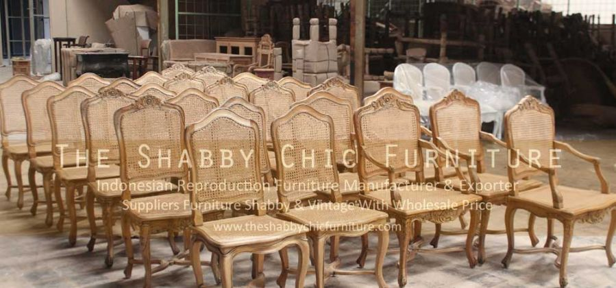 Shabby & Vintage Furniture Warehouse For Export